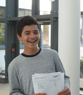 Thomas Bennett Community College celebrate huge success at GCSE results day