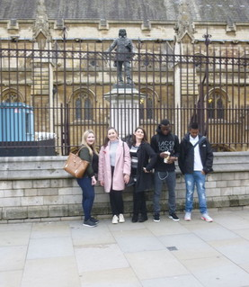 Year 12 Politics and Law students on Thursday 10th November visited Parliament and the Supreme Court